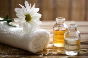 massage-essential-oil